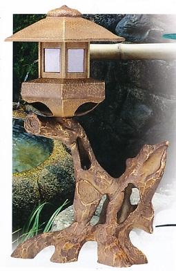 庭園置物■ 燈籠 六角枯木 ■電装付 鋳鉄製 紙箱入り【高岡銅器】