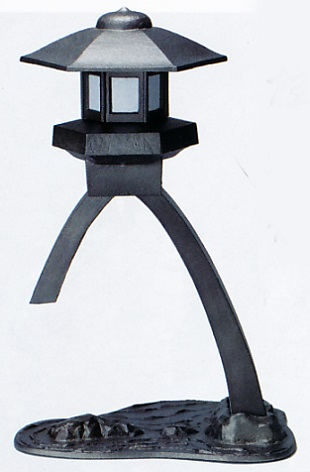 室内置き燈籠■ 燈籠 琴柱(ことじ) ■電装付 鋳鉄製 紙箱入り【高岡銅器】