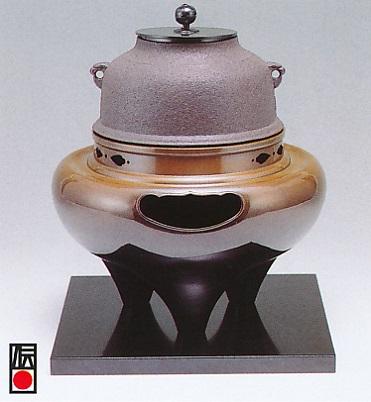 茶器・茶道具■ 風炉セット 朝鮮 ■双型唐銅製 木製塗板付 紙箱入り【高岡銅器】