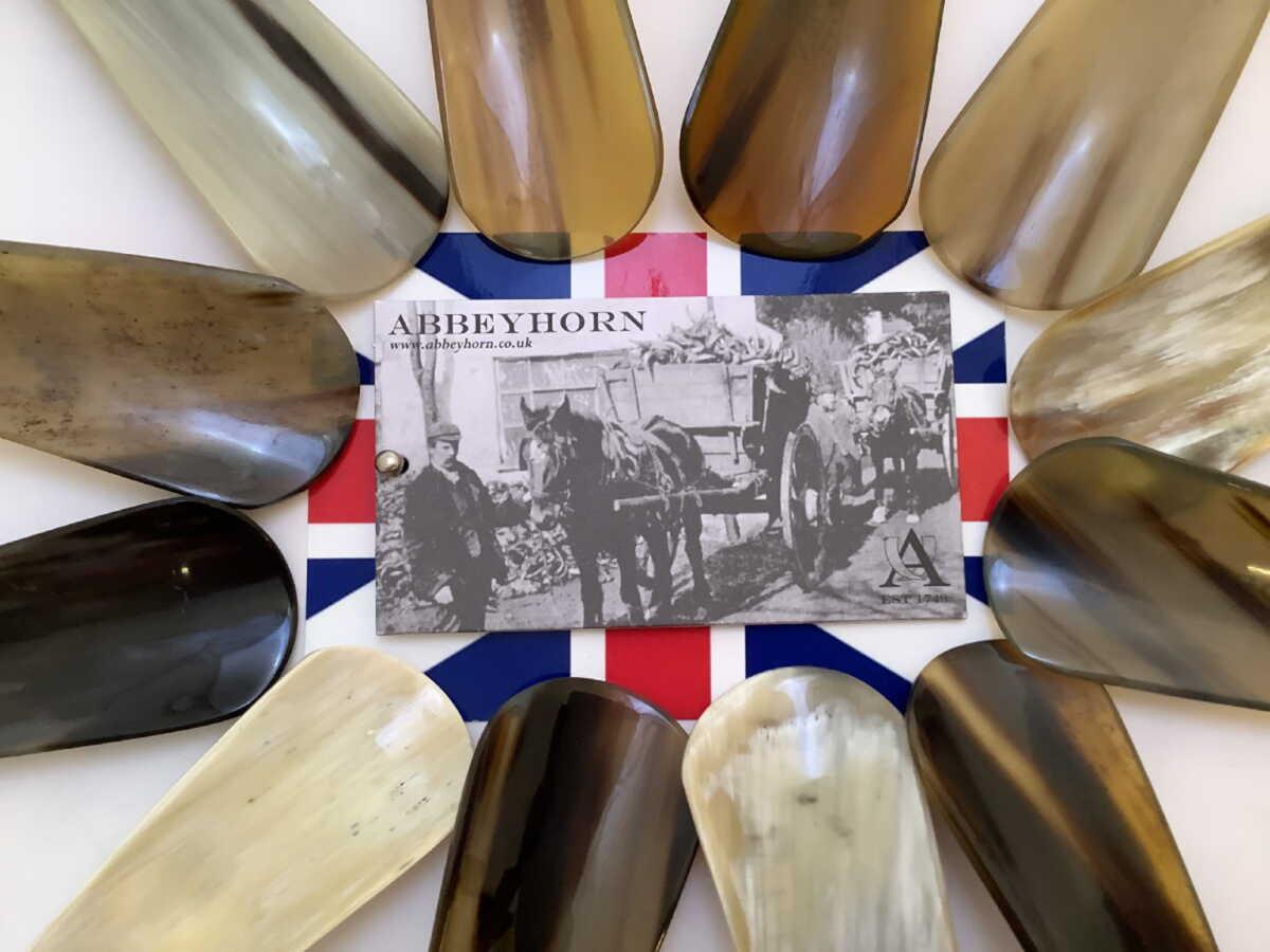 紳士用 父の日 アビーホーン Abbeyhorn 好評 靴ベラ 本水牛角 シューホーン 英国製 本物 お任せ柄 携帯用 靴べら AS AST N009