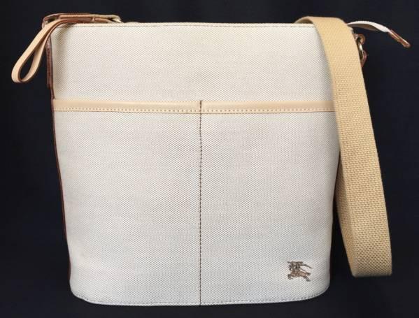 cf22f5251e19 Brand new diagonal as well as Burberry Blue label shoulder bag beige women s  Pochette BURBERRY scarf