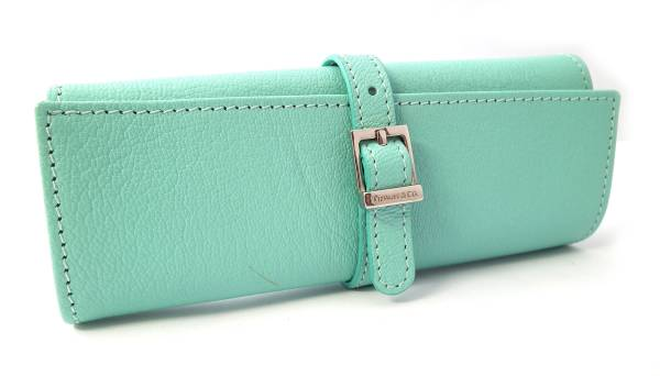 e86dfb39e42 Tiffany blue TIFFANY beauty products and leather jewelry case jewelry pouch Tiffany  jewelry roll