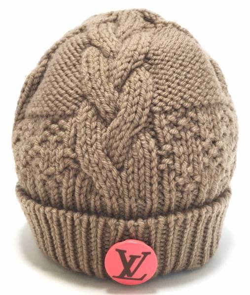 新品同様 ルイヴィトン ニット帽 ボネ・コンスタンス M74447 ニットキャップ ベージュ ピンクバッチ 帽子 ロゴ LV ビトン LOUIS VUITTON  ルイ・ビトン ルイ・ヴィトン 【中古】
