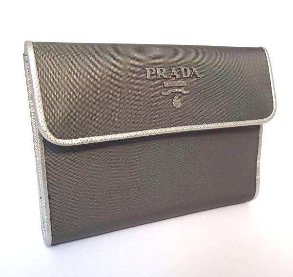 新品同様 プラダ 財布 三つ折り財布 グレー シルバー PRADA 両面財布 ダブルホック レディース 【中古】