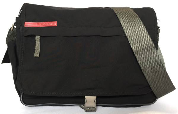 Take Prada Prada sports messenger bag slant, and take 4VS109 black light  weight black プラスポ PRADA man and woman combined use shoulder bag slant; ...