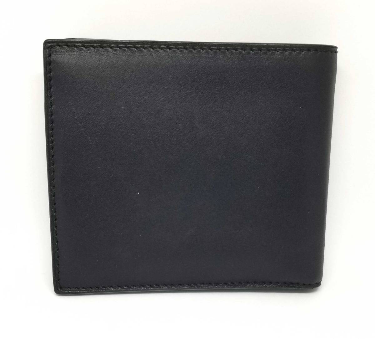 7f0ba3c4dd86 ... The genuine leather GUCCI compact which there is a Gucci folio wallet  men black black leather ...