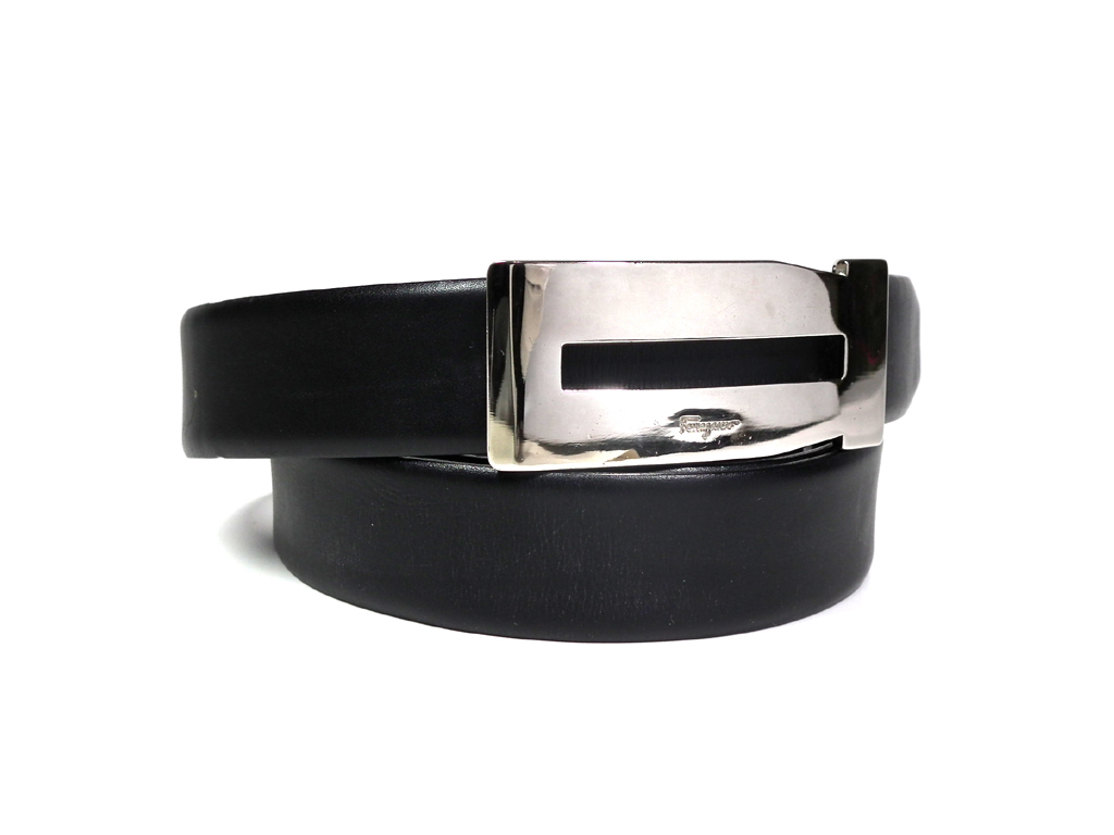 フェラガモ ベルト メンズ 90cm ~ 100cm ブラック 黒 ロゴ 紳士 FERRAGAMO レザー 本革  【中古】