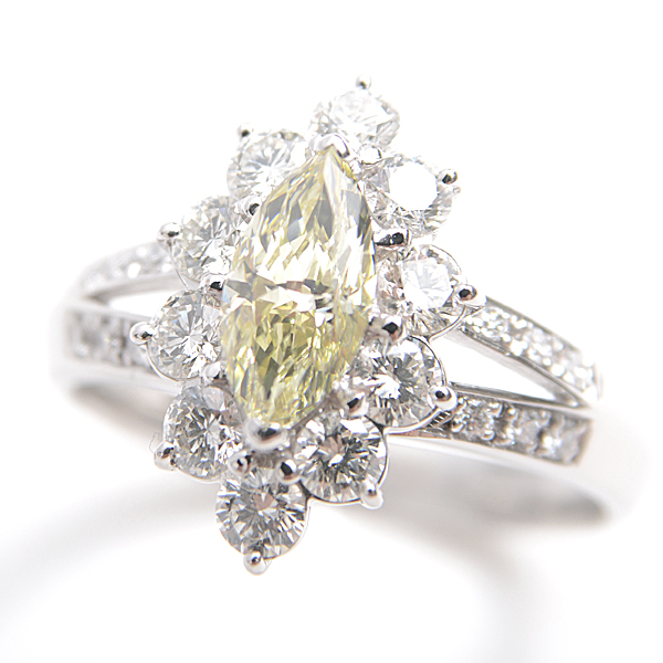 PT900 マーキスカット イエローダイヤリング YD0.668ct D0.84ct 13号 仕上済 A級品【中古】