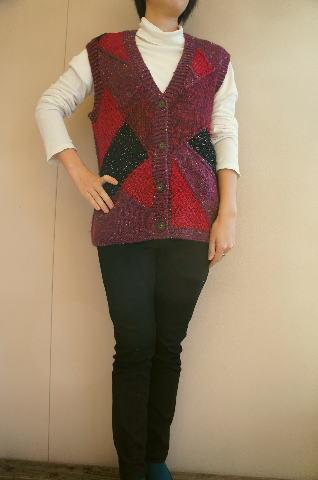 【レディースベスト】【フリーサイズ】国産ウールで編んだ幾何学模様パッチワークベスト