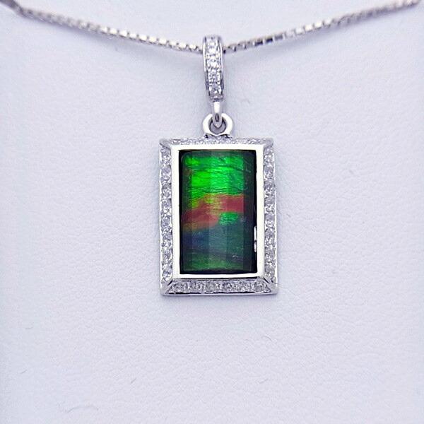 アンモライト シルバー ペンダント トップ 宝石 ジュエリー 長方形型 Aグレード AURORA p1196