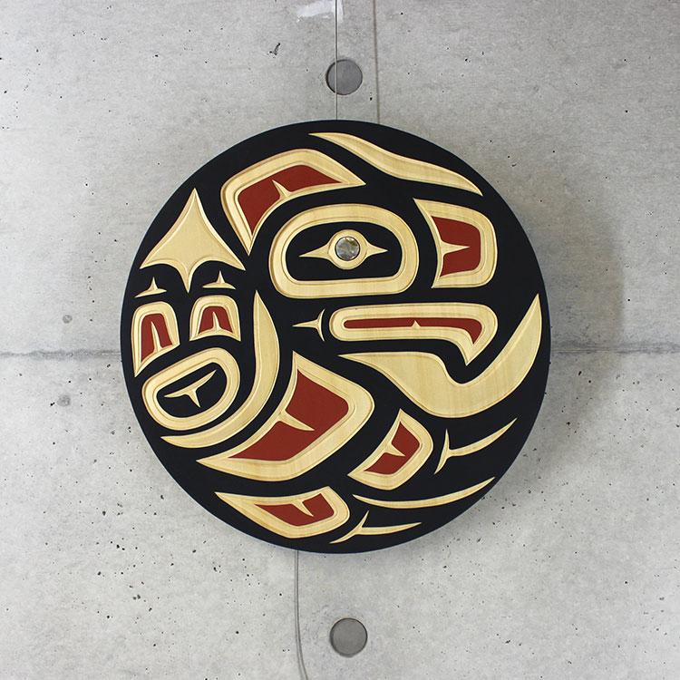 カービング タペストリ 木彫刻 アート 壁掛 カナダ 先住民 ネイティブ インディアン [ Eagle イーグル] SQUAMISH スクアミッシュ族 Harvey John