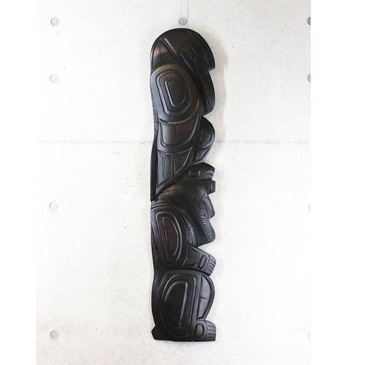 カービング タペストリ 木彫刻 アート 壁掛 カナダ 先住民 ネイティブ インディアン [RAVEN/GRIZZLY BEAR] SQUAMISH スクアミッシュ族 Larry Joseph