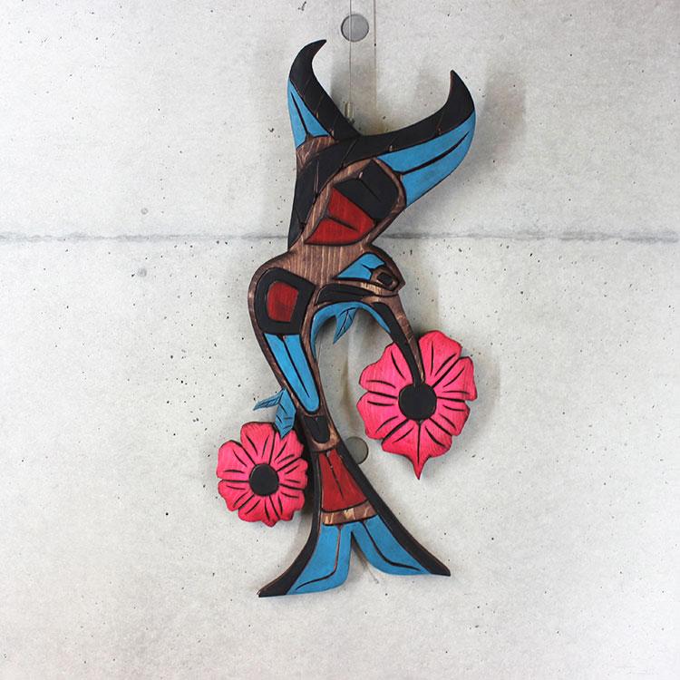 カービング タペストリ 木彫刻 アート 壁掛 カナダ 先住民 ネイティブ インディアン [ HUMMINGBIRD ハチドリ] SQUAMISH スクアミッシュ族 Dora Edwards