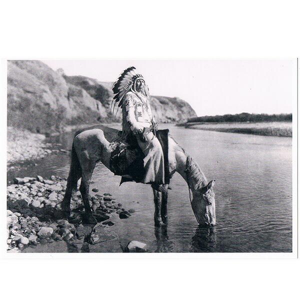 額に入れて 飾って インテリア 国内正規総代理店アイテム に ネイティブ ポストカード 写真 カナダ 先住民 BOW 国際ブランド CHIEF AT 雑貨 インディアン FOOT BLACK RIVER
