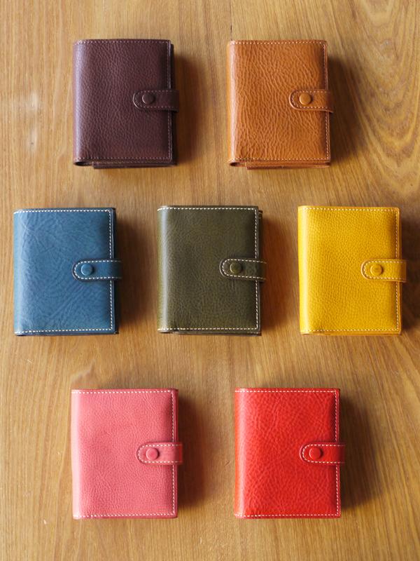 レザー二つ折りベルト財布 ミネルバ