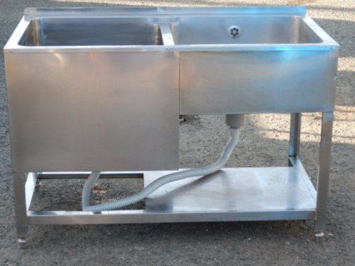業務用 ステンレス SUS304 2槽 シンク 左 深槽 W120 D60 H80(+3)cm 厨房 槽内寸 左W530D515深420mm 断熱あり 右W545D505深210mm【中古】