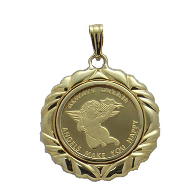 【代引き手数料、送料無料】純金で天使の羽根と永遠の微笑をレリーフ 可愛いお尻のエンジェル2.5gペンダント