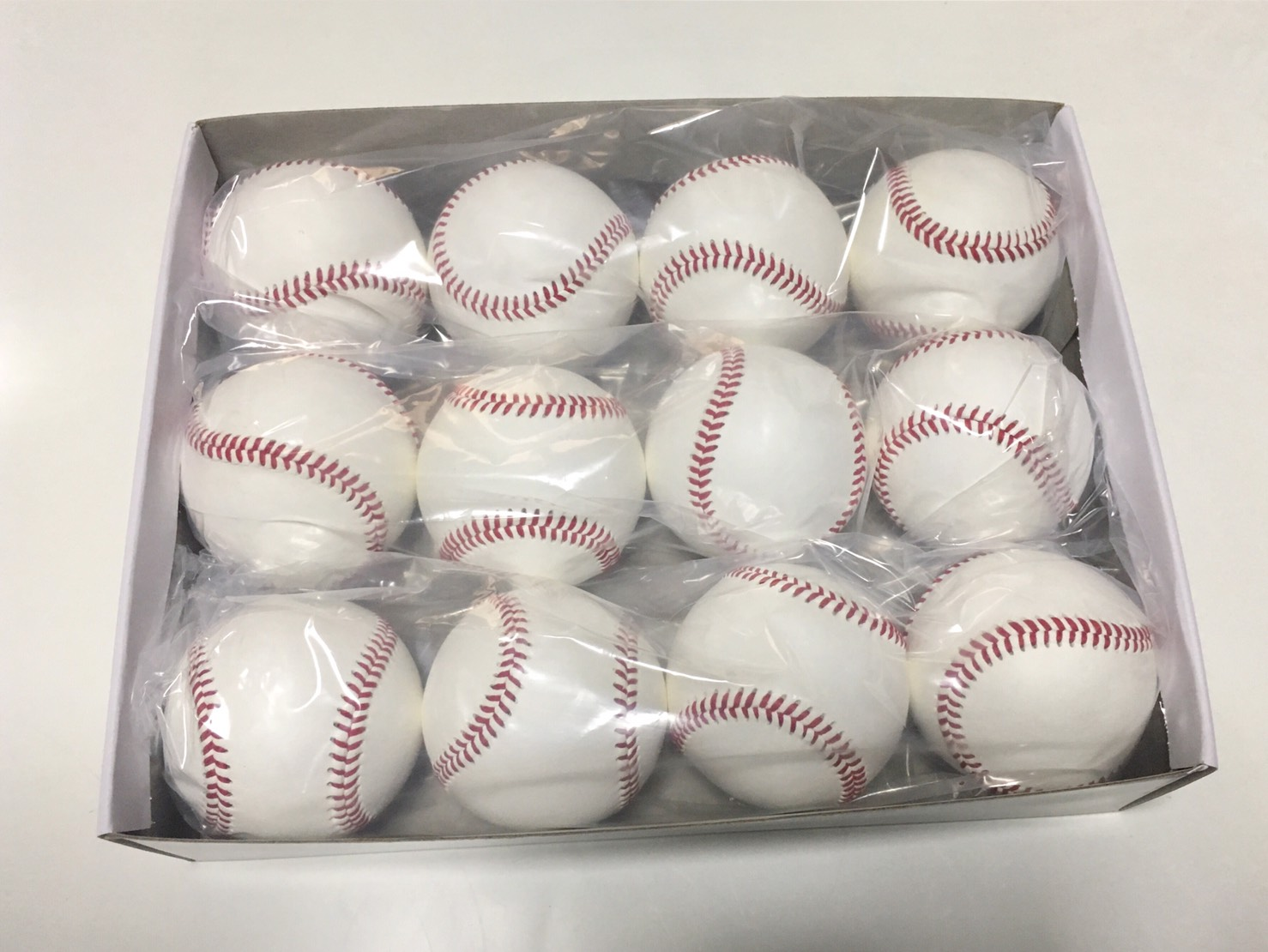 やっと再入荷!!衝撃!全天候型ボール!硬式 野球ボール 1ダース 2ダース以上で送料無料!硬球/マシンの使用も可能!硬式球/硬式ボール/硬式野球ボール/硬式練習球/野球用品