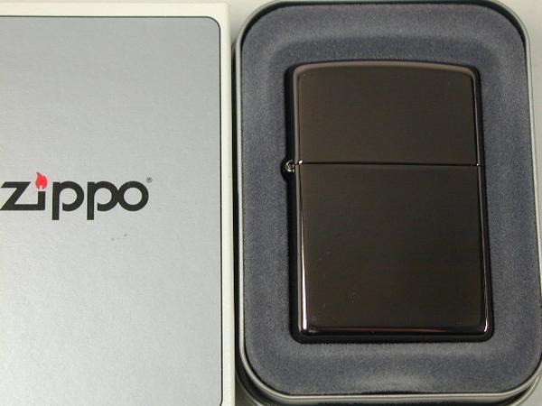 ☆ 輝く黒 ジッポーライター: Zippo ブラックアイス Black Ice プレーン #150 黒 ジッポ 出荷 無地 お気に入り 定番 クリア ブラック ジッポー ダルマヤ ライター レギュラー あす楽対応