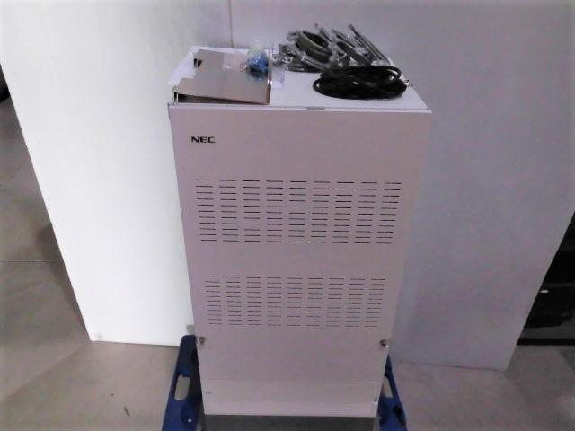 【中古】IP3WW-M RACK+IP5D-3KSU-E1+ IP5D-3KSU-B1+ IP3WW-LARGE BATT BOXNEC Aspire UX主装置+バッテリーボックス【ビジネスホン 業務用 電話機 本体】