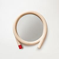 【マラソン期間¥100-2000クーポン】籐のウォールミラー wawa/レッド [ 鏡・収納 / 鏡 /丸型 ]