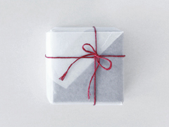 【4/22- ¥100-2000クーポン】ラッピング 有料ラッピング 蝋引き紙ホワイト