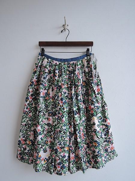 ミナペルホネン mina perhonen flower bed綿シルクプリントギャザースカート 38【中古】【61B81】【高価買取中】【店頭受取対応商品】