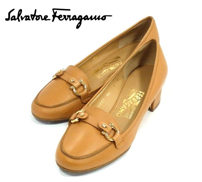 【Salvatore Ferragamo】サルヴァトーレフェラガモ ガンチーニ ビット パンプス レザー サイズ6D ローファー ベージュ レディース シューズ 靴 RM0916 【中古】