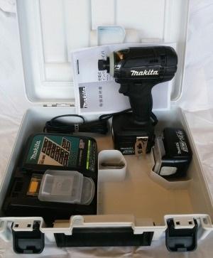 マキタ 充電式インパクトドライバ 14.4V TD138DRFXB 黒 フルセット
