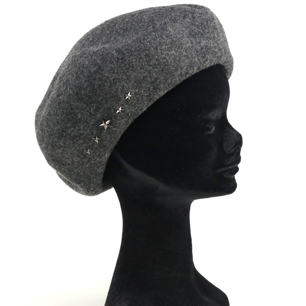 9ece7a6b7f7 Use 100% wool high-moisture and plump volumes in very warm. On the side,  giving the studs on the image a little bit hard. Tough freed Beret is  perfect shape ...