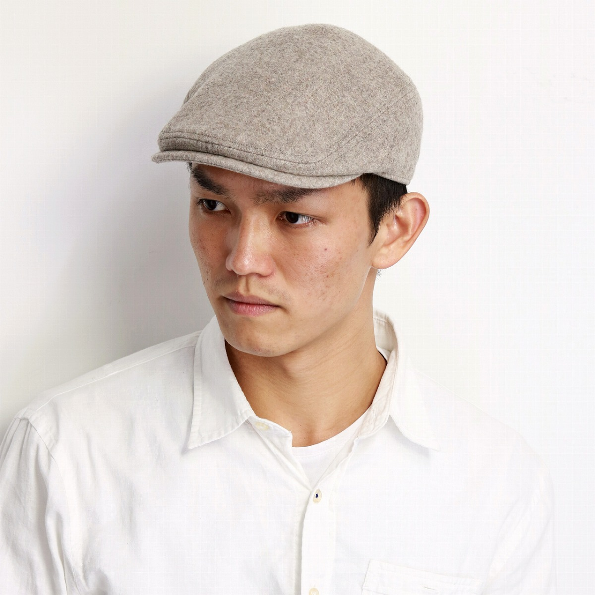 39c86a5e79852 It is a gift present in crocodile brand one point beige  ivy cap  Father s  Day made in lacoste hunting cap men thunk pull plain fabric Lacoste hat  gentleman ...