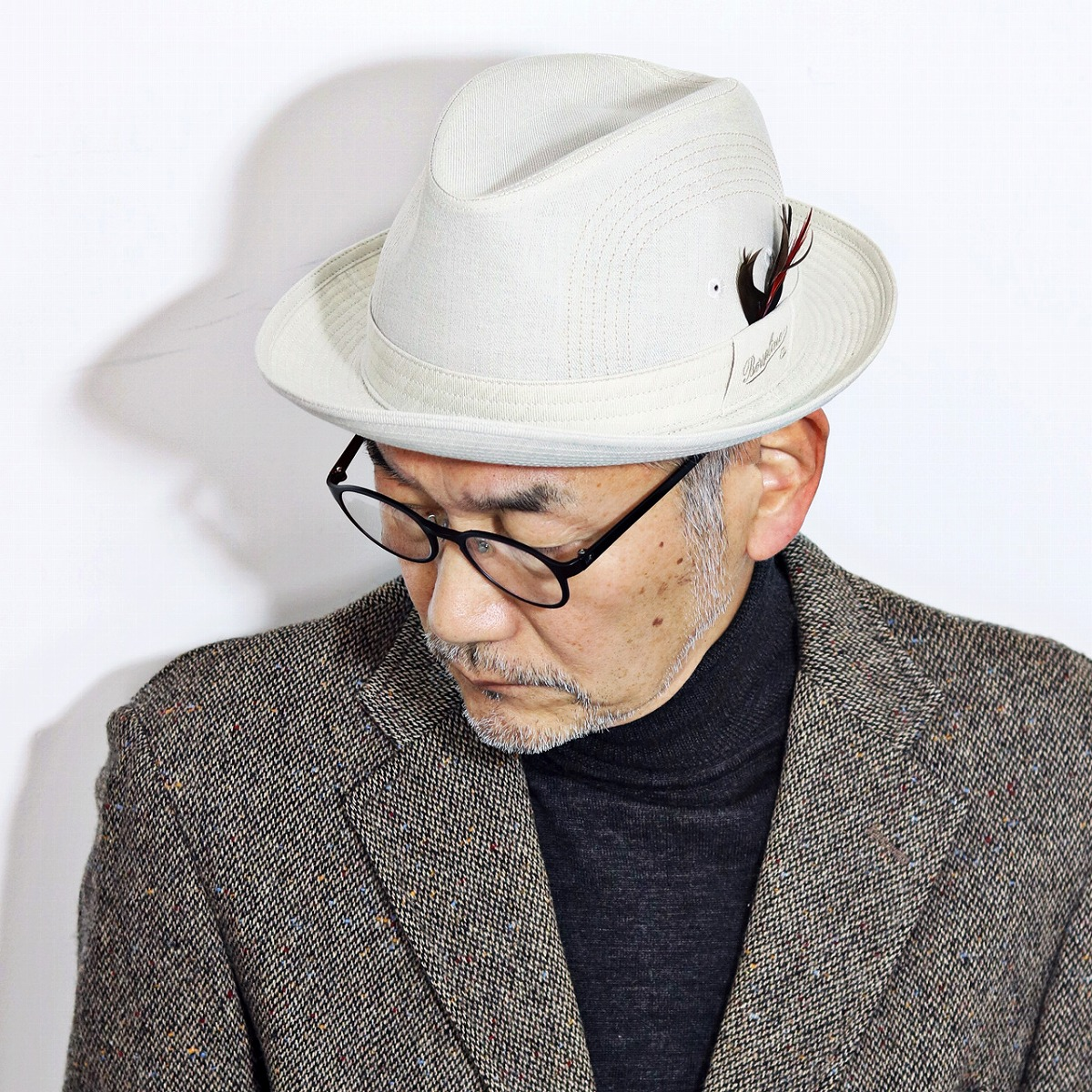 Borsalino ハット メンズ 春 夏 ボルサリーノ 帽子 日本製 57cm 58cm 59cm 60cm 中折れハット 羽根付き リネン 帽子 海外ブランド 涼しい 中折れ帽 紳士 シンプル ブランドロゴ入り 白 オフホワイト [ fedora ]