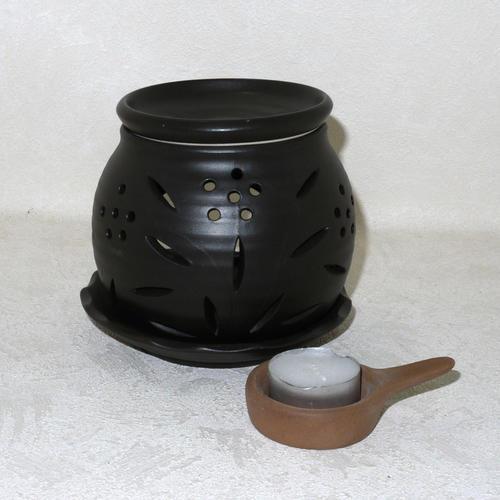 ほんのり茶の香りでリラクゼーション 本物 カテキン消臭 [並行輸入品] 常滑焼 茶香炉 透かし小花 冨仙窯 日本製