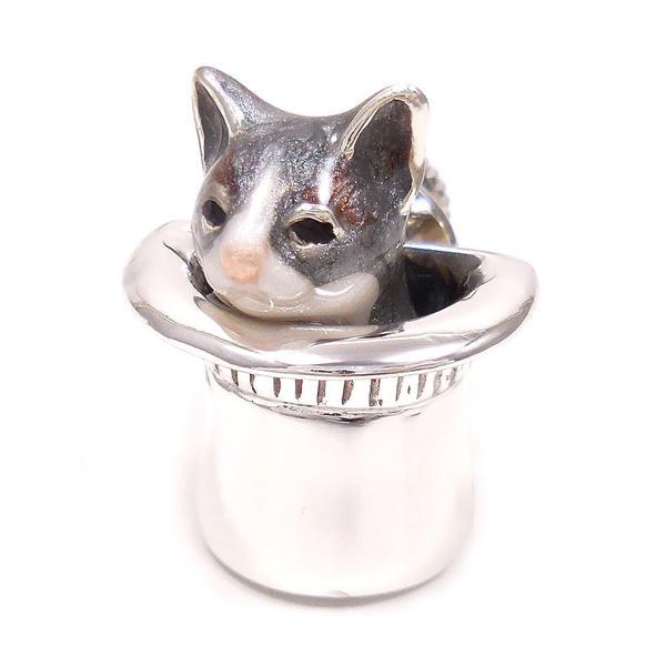 サツルノ ピンブローチ ラペルピン シルバー925 ネコ はちわれ 灰 帽子 エナメル彩色 SATURNO インポート