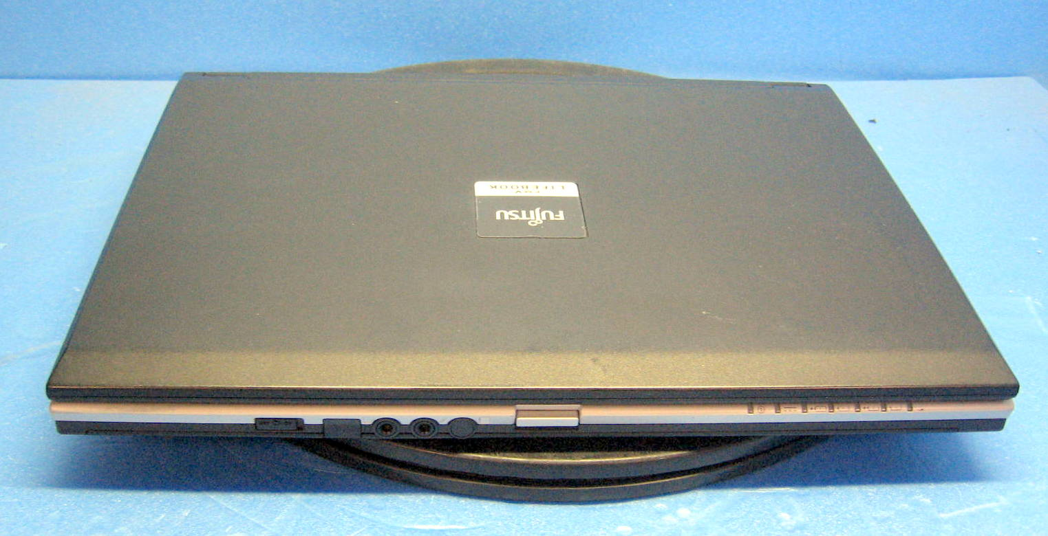 S8350 A compact wide screen laptop, with combo drives! Without writing a  review!