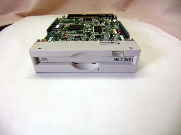 MCR32300SS【送料無料】【NEWショップ】【2.3GB】【未使用品】20120706店長激オシ送料無料♪