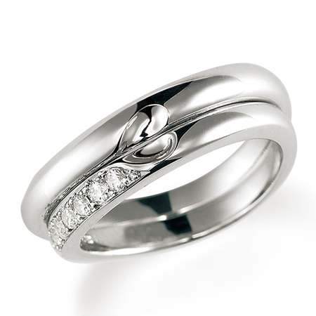 ペアリング(2本セット) 結婚指輪 マリッジリング 結婚記念 プラチナ900 合わせるとハート模様 ダイヤモンドリング 《Lelier M0831》 【刻印無料 ケース付き 送料無料】 【A】