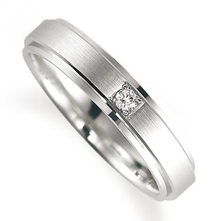 ペアリング(女性用) 結婚指輪 マリッジリング 鍛造製法 プラチナ900 ダイヤモンドリング 《Solid M0590L》 【刻印無料 ケース付き 送料無料】 【A】