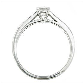 ダイヤモンド婚約指輪 サイズ直し一回無料  0.3ct E SI1 EXCELLENT  7両サイドメレ4本爪 プラチナ Pt900 婚約指輪(エンゲージリング)