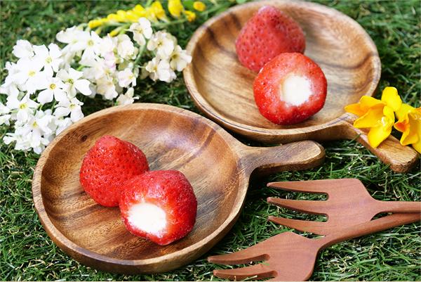 春摘み苺アイス(30粒)アイスクリーム お子様にもおすすめ♪ 価格2,500円 (税込)