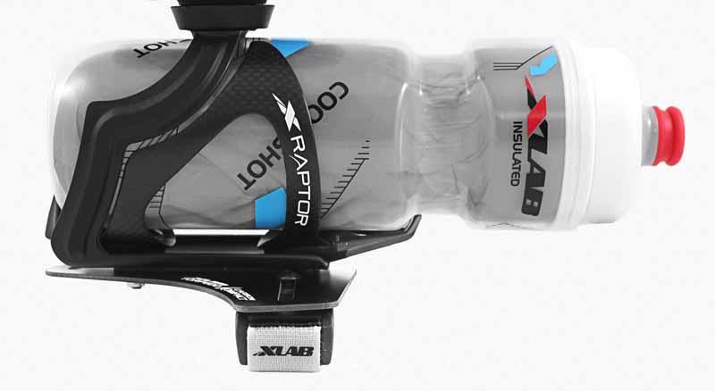 XLAB トピード コンパクト TORPEDO KOMPACT 500 装脱着が簡単なシンプル形状 エアロバー上の ハドレーション 軽量カーボン ボトルは付属しません トライアスロン