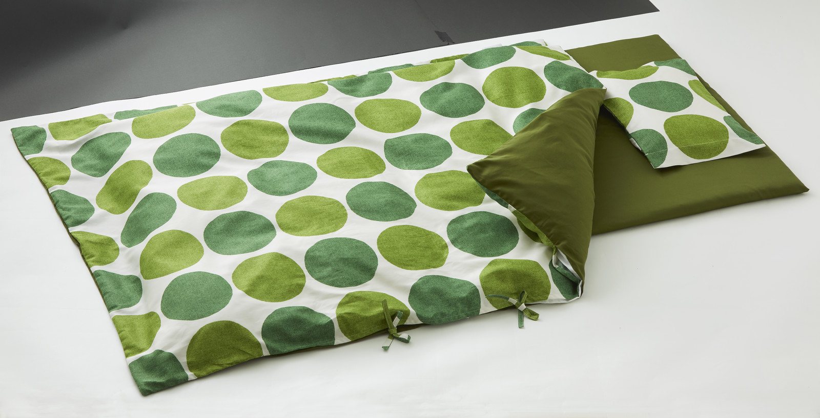 【送料無料】日本製ベビー用布団6点セットベビーサイズCharca(チャルカ) グリーン ドット