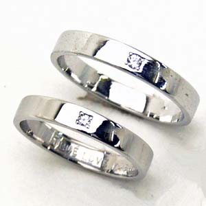 二人にダイヤ留【お得な2本セット価格】ホワイトゴールドダイヤペアリング【刻印・文字彫り無料】結婚指輪・マリッジリング・記念日・ギフト 02P18May11