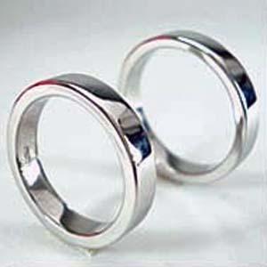 【お得な2本セット価格/送料無料】 人気のホワイトゴールドペアリング【刻印・文字彫り無料】結婚指輪・マリッジリング・記念日・ギフト  【0405_ジュエリー・アクセサリー】【送料無料_spsp1304】s05P25Apr13