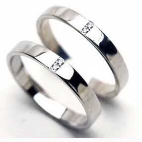 二人にダイヤ 送料無料人気のプラチナペアリング【刻印・文字彫り無料】結婚指輪 マリッジリング 記念日 ギフト ダイヤモンド ダイアモンド プラチナ指輪 platinum ring 指輪 リング 2本セット プラチナリング  0
