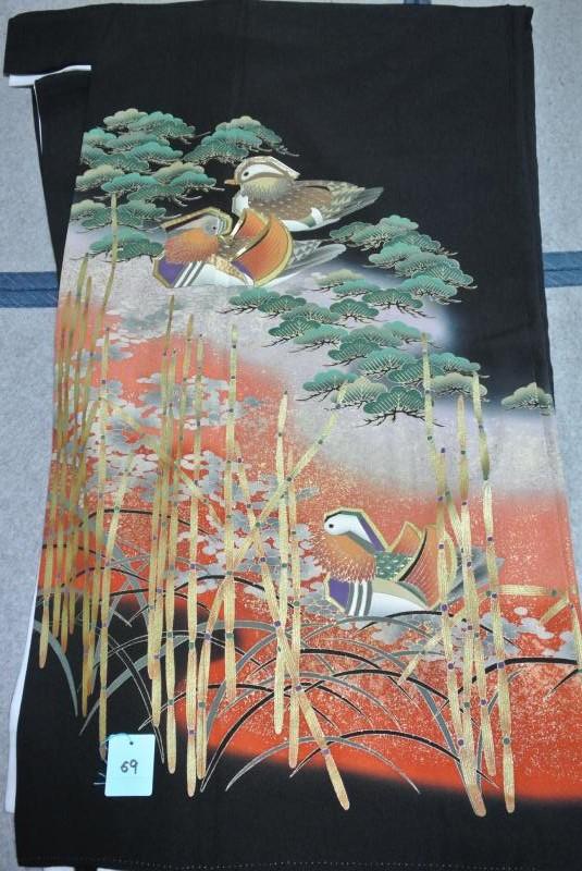 No.69 正絹 留袖 良好 【中古】 (裄67、袖丈48、身丈(肩から)160、前28、後32センチ、五三の桐)