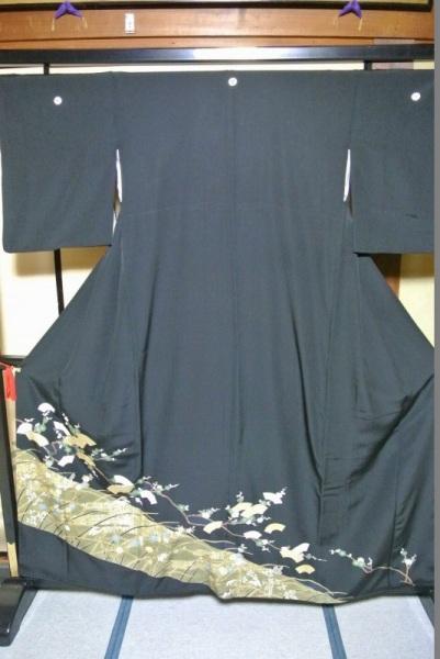 No.103 正絹 留袖 良好 【中古】 (裄64、袖丈47、身丈(肩から)157、前25、後30センチ、三割桔梗)