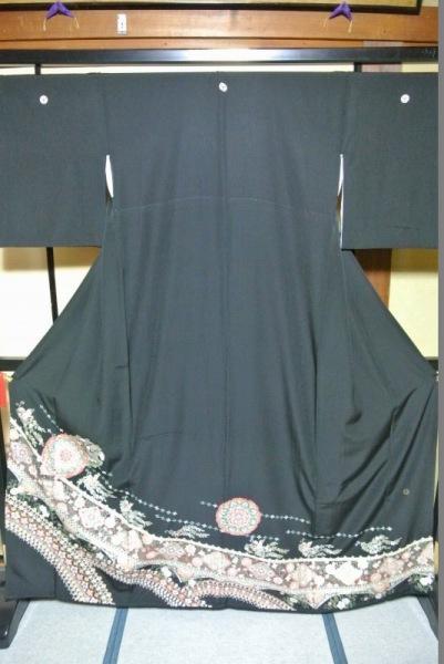 No.105 正絹 留袖 良好 【中古】 (裄65、袖丈46、身丈(肩から)164、前25、後30センチ、三割桔梗)
