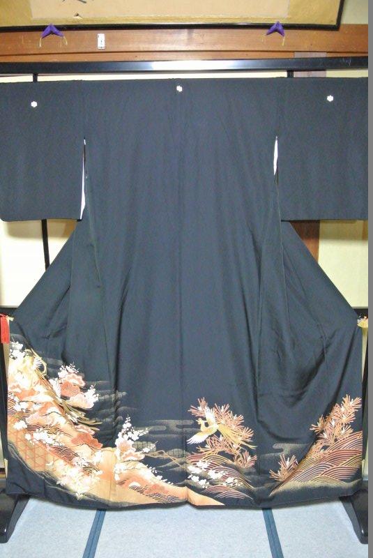 No.077 正絹 留袖 良好 【中古】 (裄65、袖丈46、身丈(肩から)162、前27、後30センチ、五三の桐)