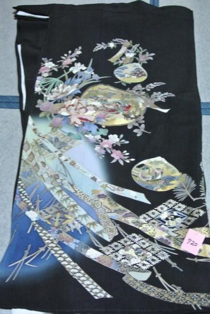 No.720 正絹 留袖 良好 【中古】 (裄66、袖丈47、身丈(肩から)163、前24、後30センチ、五三の桐)